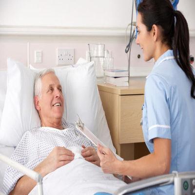 Auxiliares de Enfermagem Para Idosos em SP